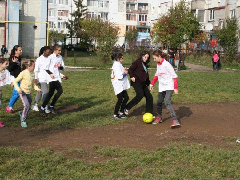 Campionatul de fotbal, fete